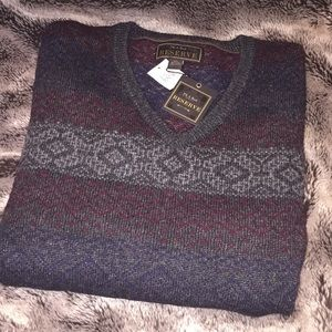 Jos a bank v neck sweater brand new